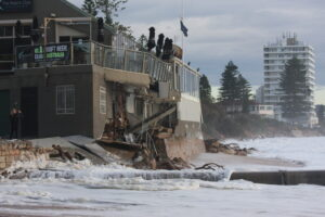 Natural hazards_flood_Collaroy_1